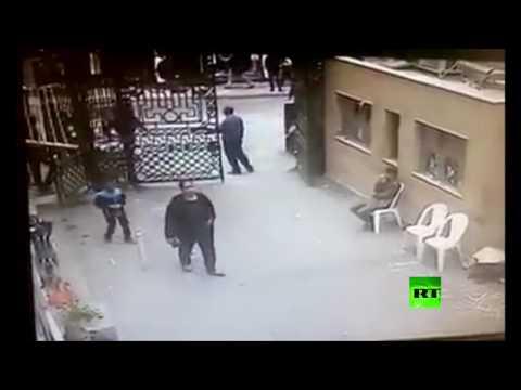 لحظة الانفجار بمدخل الكنيسة المرقسية في الإسكندرية