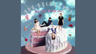 Watch Regrettes Picture Perfect video