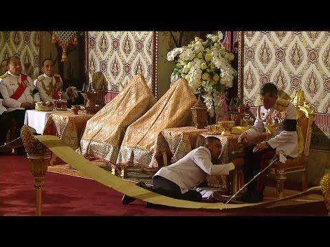 พระราชพิธีบำเพ็ญพระราชกุศล ณ พระที่นั่งดุสิตมหาปราสาท ในพระบรมมหาราชวัง - วันที่ 14 Oct 2016