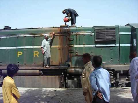 Pakistan Railways Loco Taking Water 03 06 12