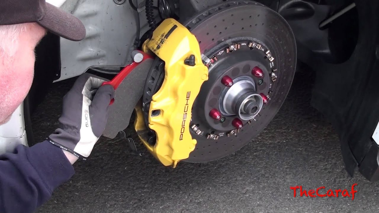 Change Of Brake Pads On Porsche Gt3 Rs 4 0 Youtube