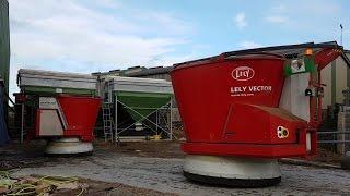 2 Robots d'alimentation LELY VECTOR | Ferme Robotisée en Normandie