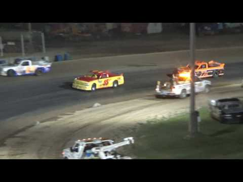 Pro Truck Feature Race at Crystal Motor Speedway, Michigan on 06-03-17