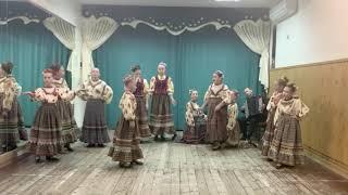 Ансамбль народной песни «Заряница». Игровая песня линейных казаков «Как меня мати».