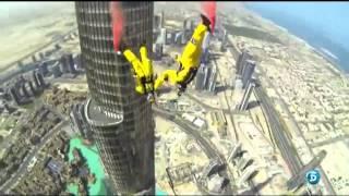 BURJ KHALIFA BASE JUMP, DUBAI SALTO BASE RECORD MUNDIAL (Primero Oficial)