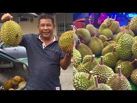 MOUNTAINS OF DURIAN at Borneo's biggest fruit market (Sibu, Sarawak)