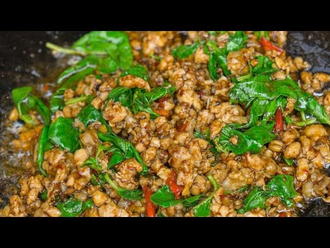how-to-cook-pork-with-thai-basil-(-pad-ka-prao-muu)