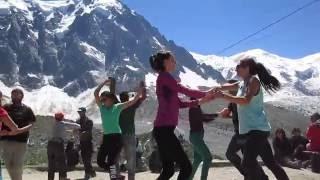 Salsa au pied du Mont-Blanc!