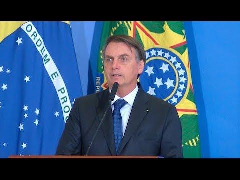Bolsonaro revoga decreto de armas e edita novas versões