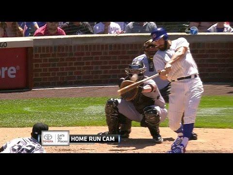 CWS@CHC: Arrieta swats his first Major League homer