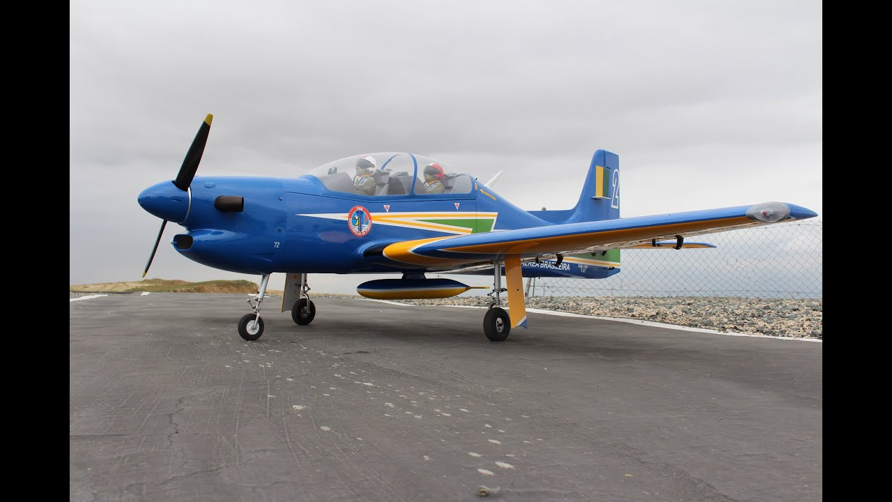Wings Over Prado RC Airshow 2015 - Giant Scale Electric EMB-312 Tucano