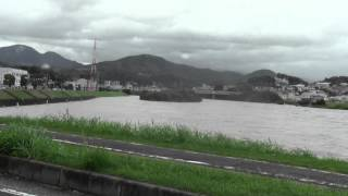大和川決壊の恐れ①。危険水位。台風18号。2013年9月16日。国道25号は氾濫避難渋滞.