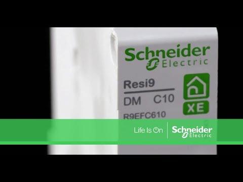 Resi9 XE combin/é disj+2 prises courant 1P+N 16A courbe C embrochable SCHNEIDER R9ECS616 SCH-R9ECS616 SCHNEIDER