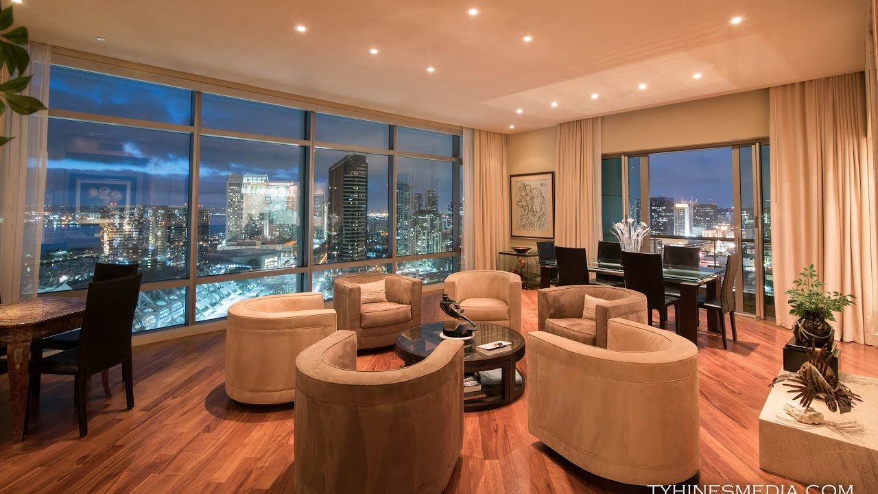 $2,600,000 Downtown Penthouse With Sweeping Views! (San Diego)