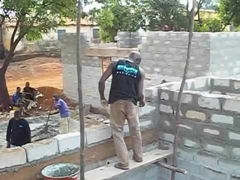 Baobab School byggs upp i Guinea Conakry