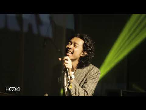 Pamungkas - Intro III, Modern Love (Live At Flying Solo Tour Chapter Jogja)