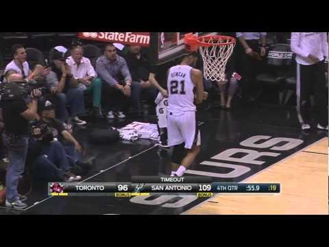 Tim Duncan hyperextended left elbow injury: Raptors at Spurs
