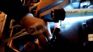 Hervé Bricole   Remplacement filtre huile et vidange moteur Peugeot 206