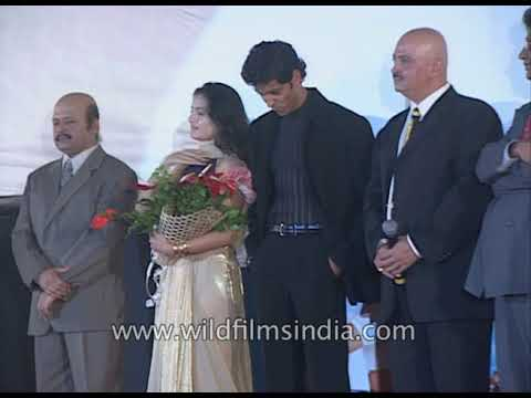 Entire team of 'Kaho naa Pyar hai' at the movie's premiere
