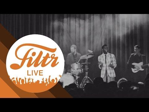 "Leon Bridges ""Smooth Sailin'"" (Filtr Sessions -  Live)"