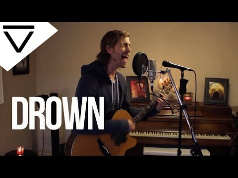 """Drown"" - Bring Me The Horizon (Acoustic Loop Pedal Cover) with Lyrics and Tabs!"