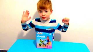 Ринат открывает набор Playmobil Citi Life
