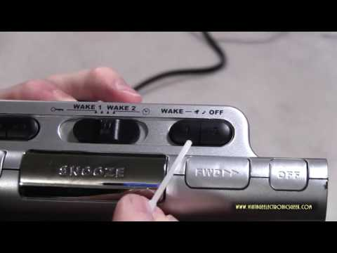 RCA RP5435 Dual Alarm Clock AM FM Radio - Overview