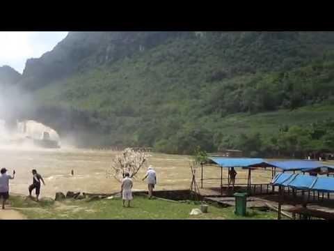 Toàn cảnh thác Bản Giốc, Cao Bằng, Việt Nam