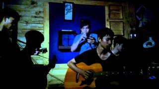 Bay by Singer Duc Tien Cajon Drum