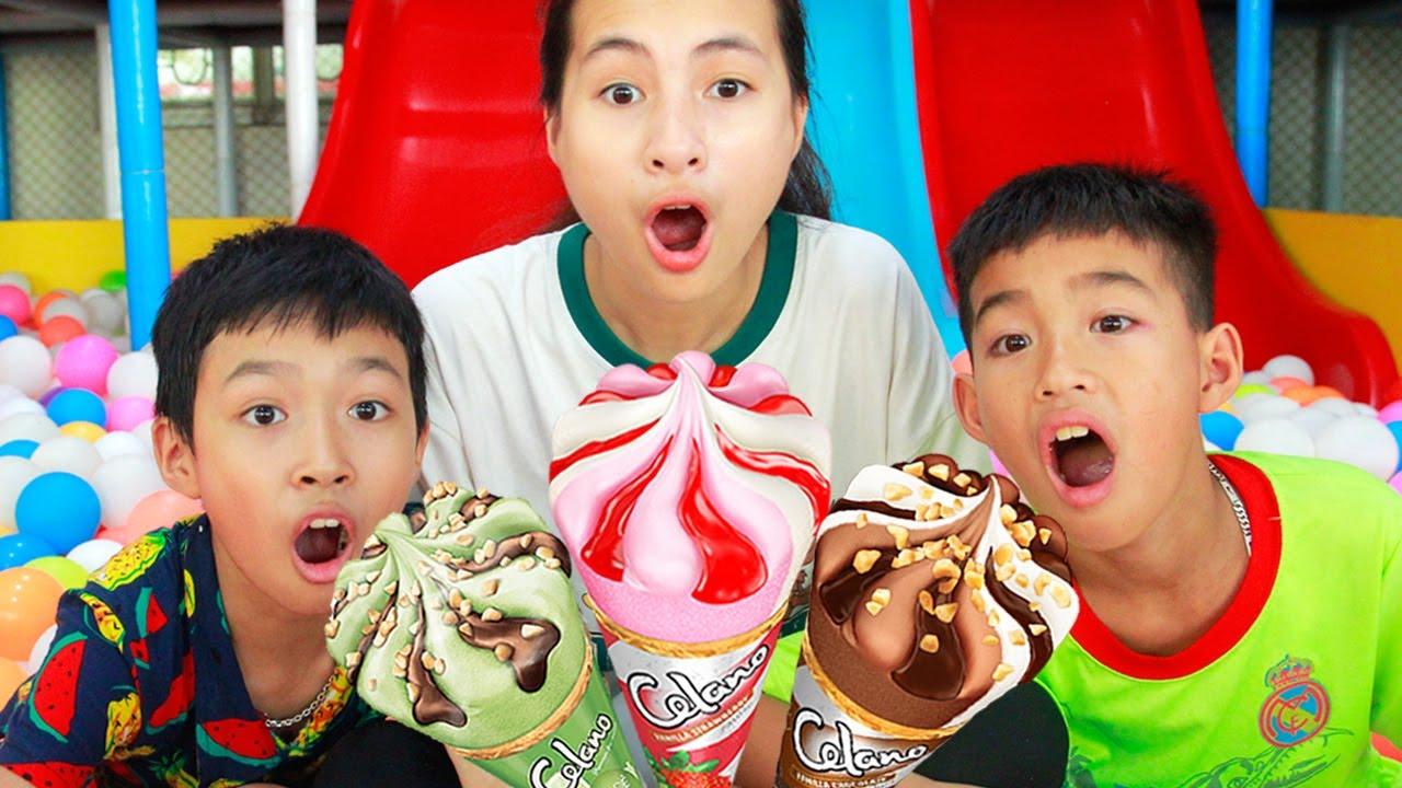 Anak-anak bermain di area bermain indoor dan makan es krim   Mainan dan lagu anak-anak