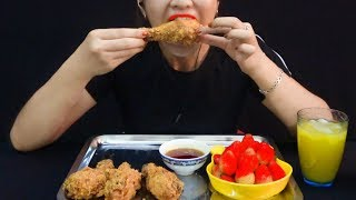Trang ASMR | Challenges eat 5 Fried Chicken Legs and 1 Strawberry Plate