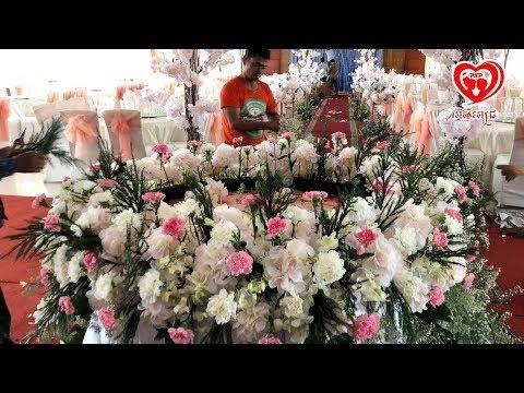 តែងផ្កាតុនំអាពាហ៍ពិពាហ៍-/-flower-decoration-on-wedding-cake-table