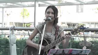 大阪で活動する中学3年生、14歳の井上苑子(そのこ)さん。この日は、川...