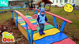 Малыши-Крепыши играют в деревне. Видео для детей