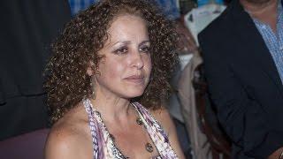 Idabell Rosales - Presentación del poemario «Café sin Heydi frente al mar» de Victor M. Dominguez