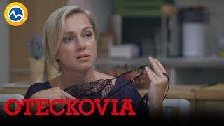 OTECKOVIA - Lucia vymenila domáce oblečenie za sexi košieľku. Wau!