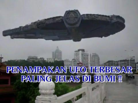 """VIDEO PENAMPAKAN UFO TERBESAR """"PALING JELAS DI BUMI ..."""