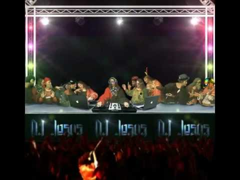 DJ Jesus playing like the God of electronic music
