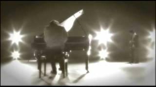 神戸出身ピアノロックバンドWEAVER (ウィーバー)のデビュー曲「白朝夢」...
