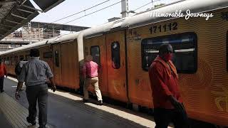 Man almost misses the train due to automatic doors | IRCTC Tejas Express