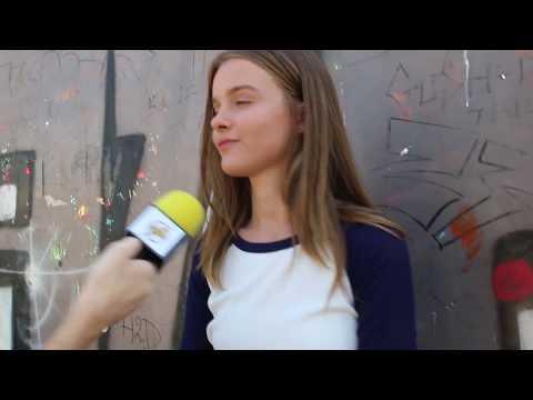 אנה זק בראיון:'בא לי להגיע לחו'ל' | באזזרים