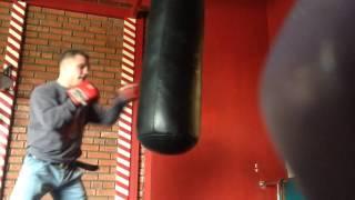 Как правильно работать по боксерской груше