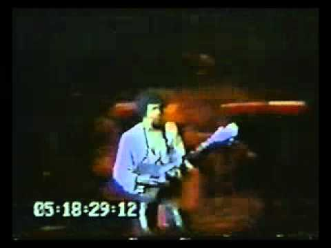 The New Barbarians - Stanley Clarke - Bass Solo - Live 1979