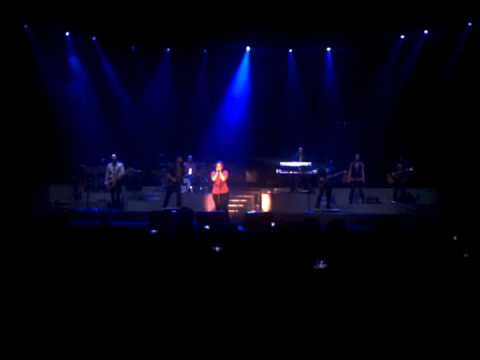 Kelly Clarkson   That I Would Be Good/Use Somebody - San Jose Event Center