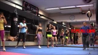 Clases de Boxeo para principiantes – Conceptos BÌÁsicos: Triple Jab con paso plano, 2 veces