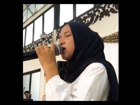 Nissa Sabyan - Tum Hi Ho Live Universitas Budi Luhur
