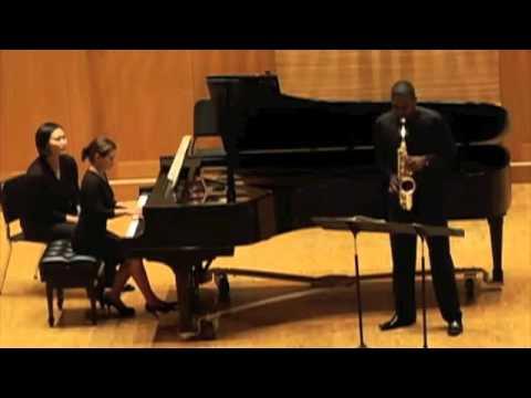 Robert Young, saxophone - William Albright: Sonata (Mov. 1)