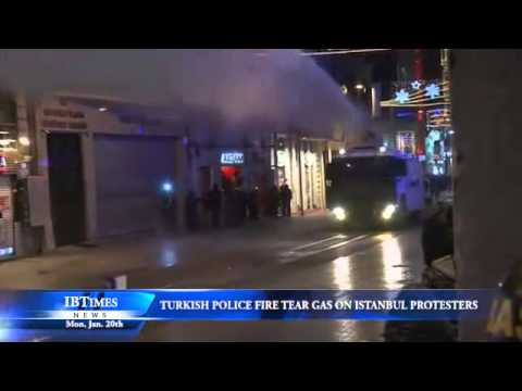 Turkish Police Fire Tear Gas on Istanbul Protesters