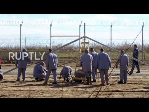 Hungary: Inmates build second anti-refugee fence along Serbian border