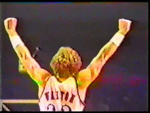 Bill Walton (Clippers) (11pts/8rebs/5asts/5blks) vs. Bulls (1984)